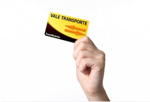 Vale transporte , posso  apenas completar  o cartão? O que diz a lei?